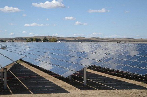 Placas-solares-de-la-planta-To_54427102994_53389389549_600_396